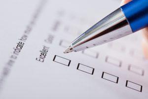 customer-service-survey-form-pen